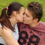 Cómo besan los signos del zodiaco