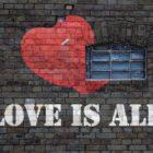Cómo saber si una mujer Aries está enamorada